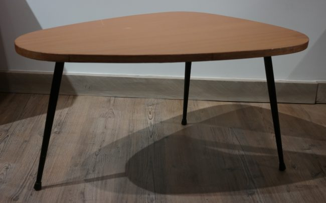 Petite table tripode, France, design 1950's